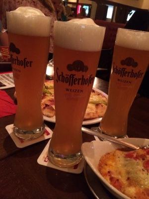 ピザとビール