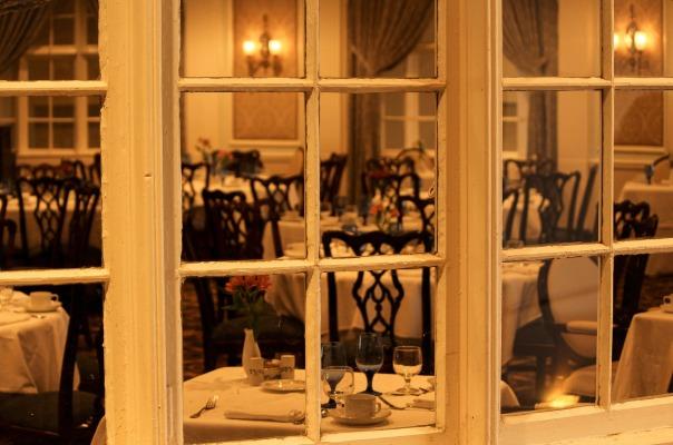 dining-room-103464_1920