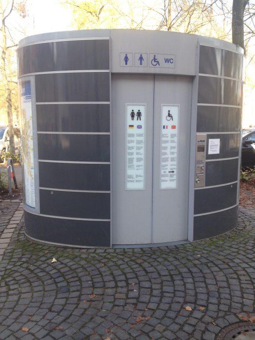 ドイツの公衆トイレ