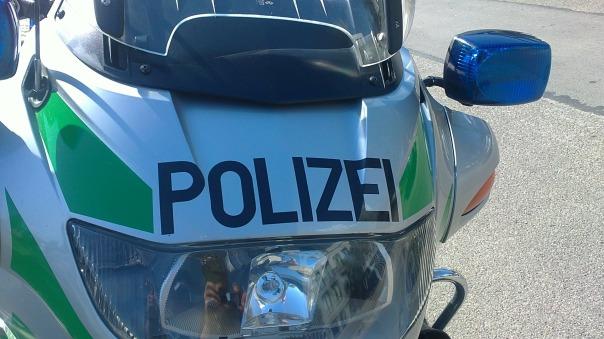 polizeimotorrrad-327900_1920