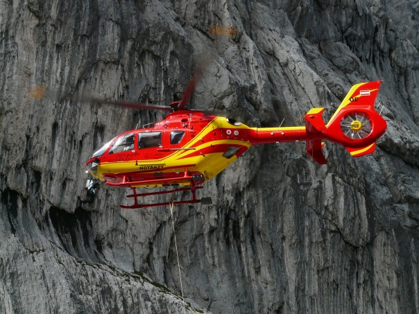 rescue-helicopter-61009_1920
