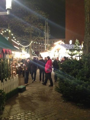 夜のクリスマスマーケット