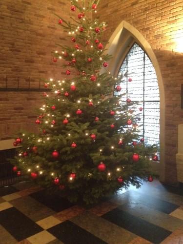 教会のクリスマスツリー