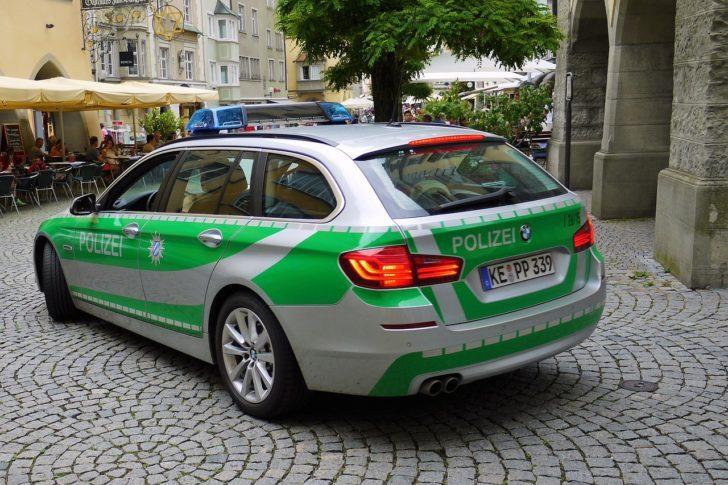 POLICE_German_1472005074-728x485